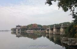 鉴湖边上的一座桥--画桥