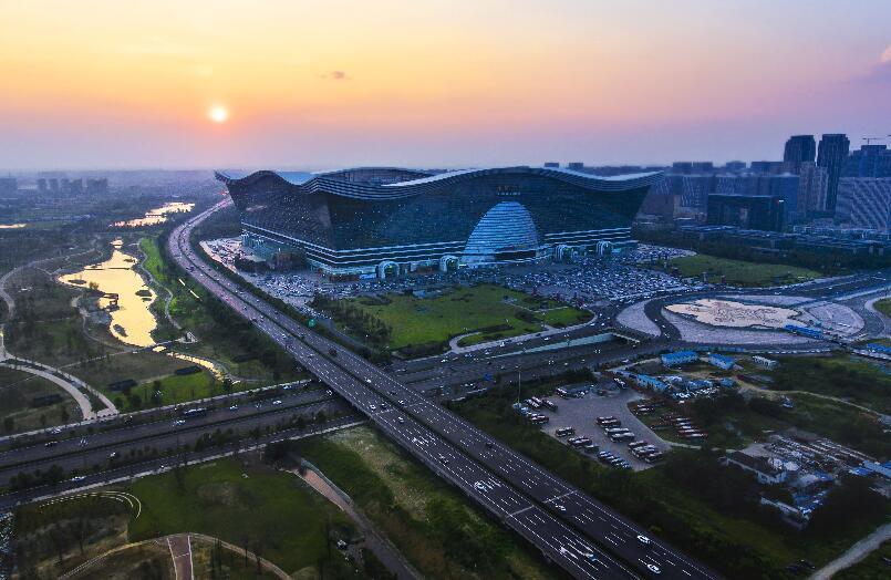 中国警方捣毁奢侈品假货商 涉及金额近1亿