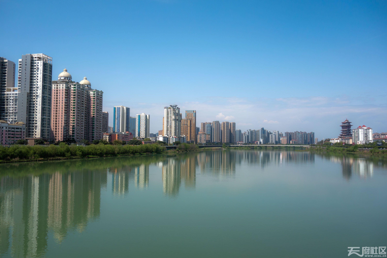 蓝色城市2.jpg