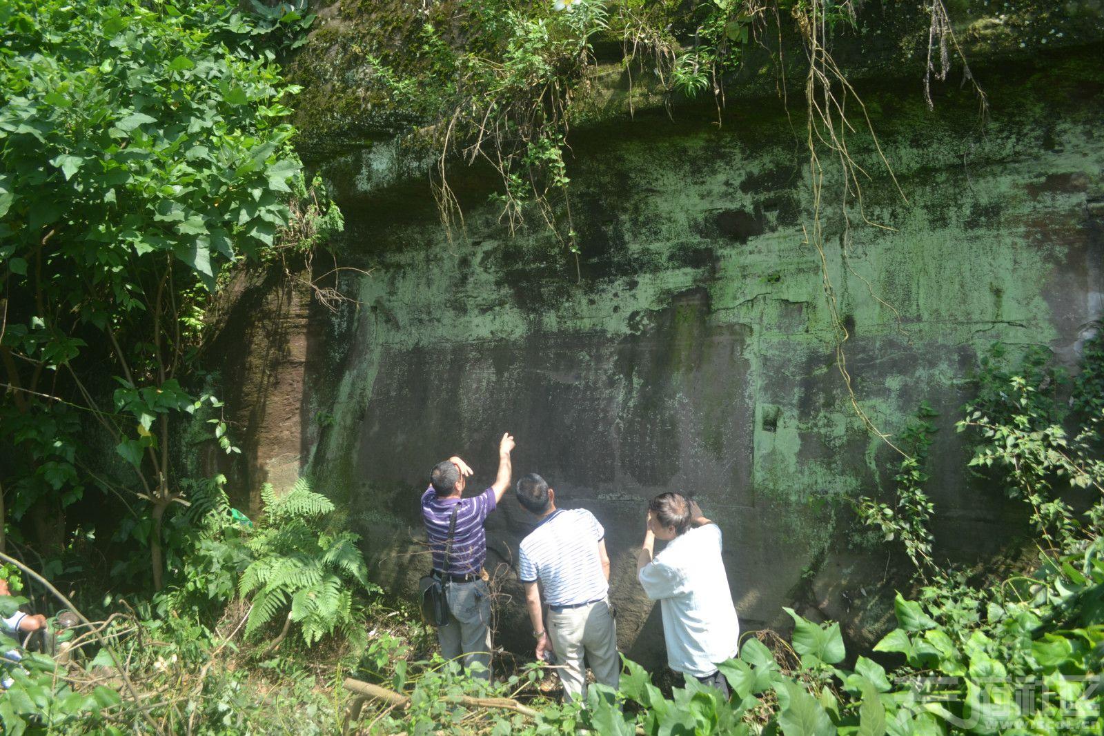勒石《渔関渡》在渔子溪旁的观音岩上,.jpg