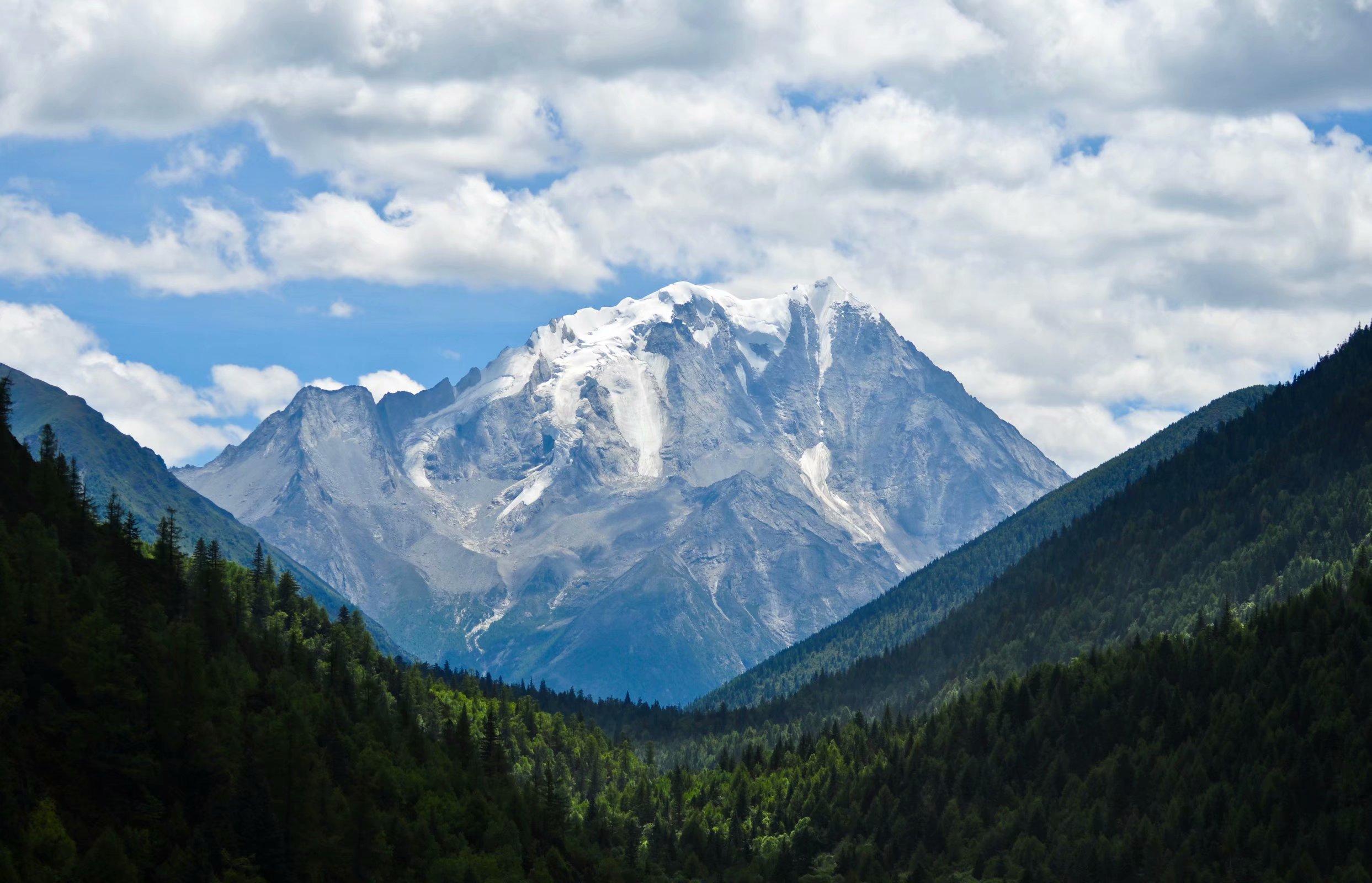 5丹巴亚拉雪山.jpg