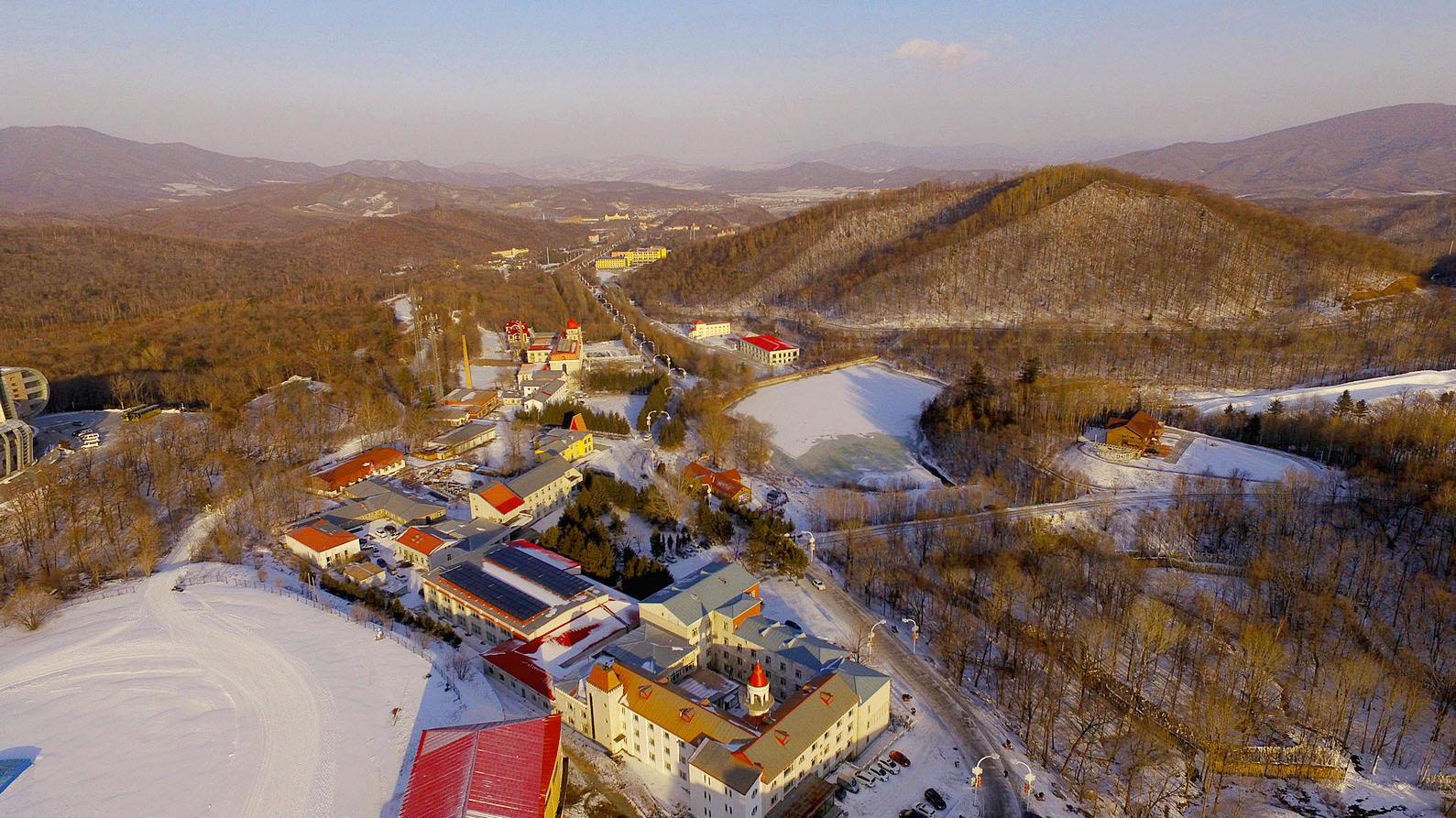 航拍亚布力滑雪场