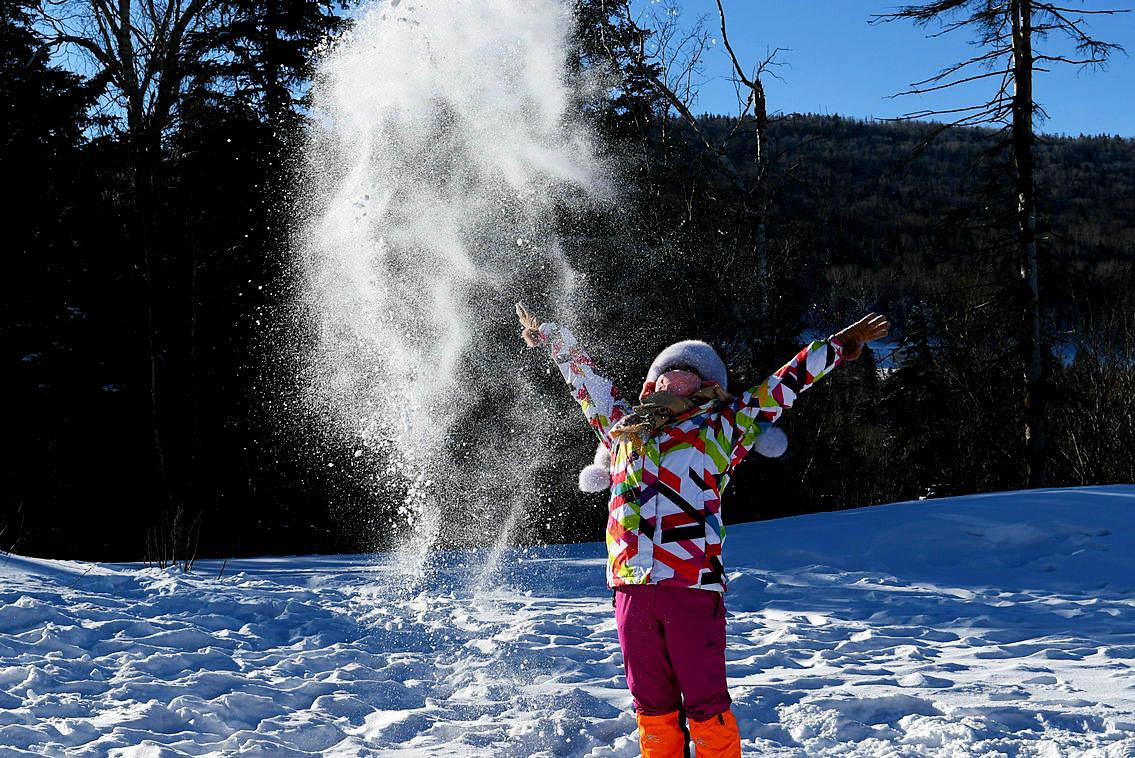 南方姑娘的雪地撒欢