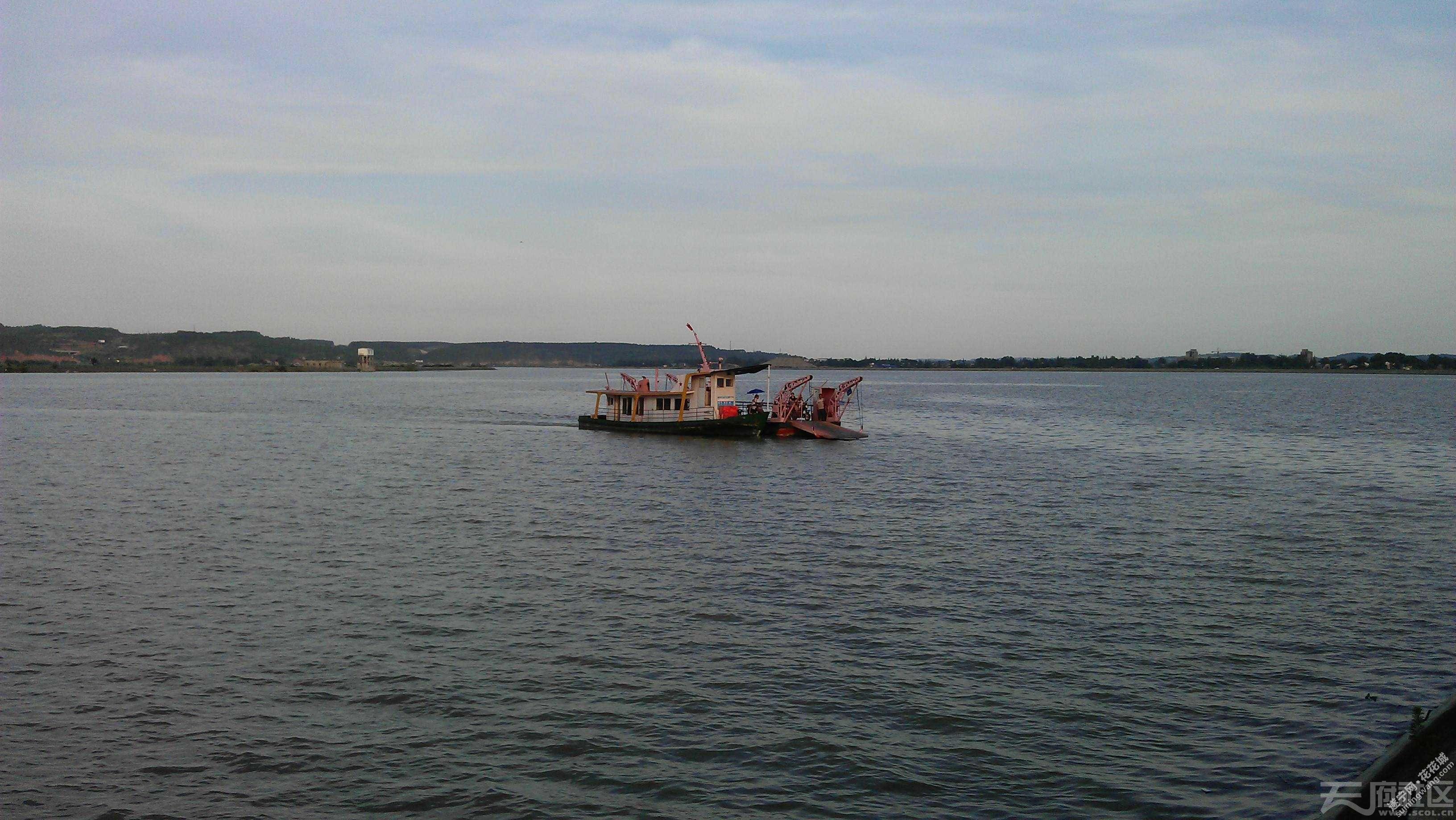 往返于岛上船只