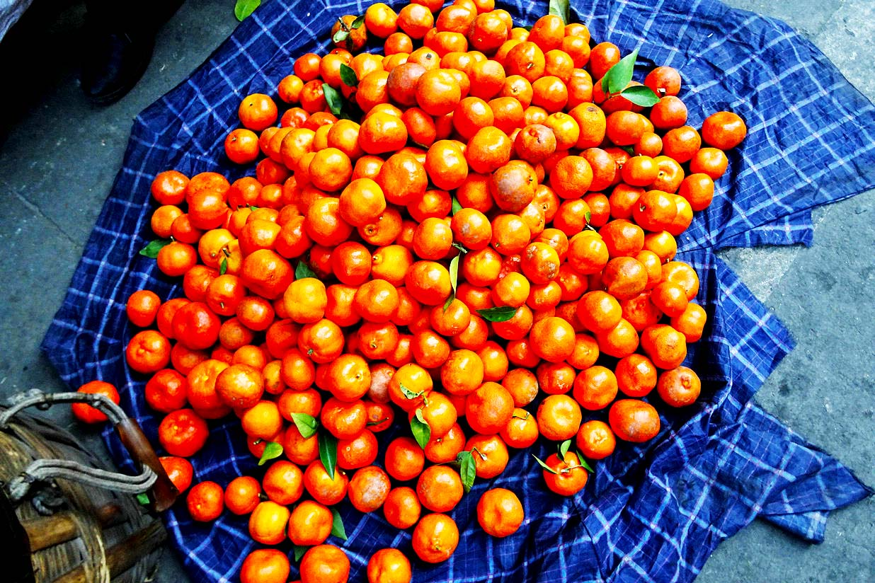 挂榜的水果市场