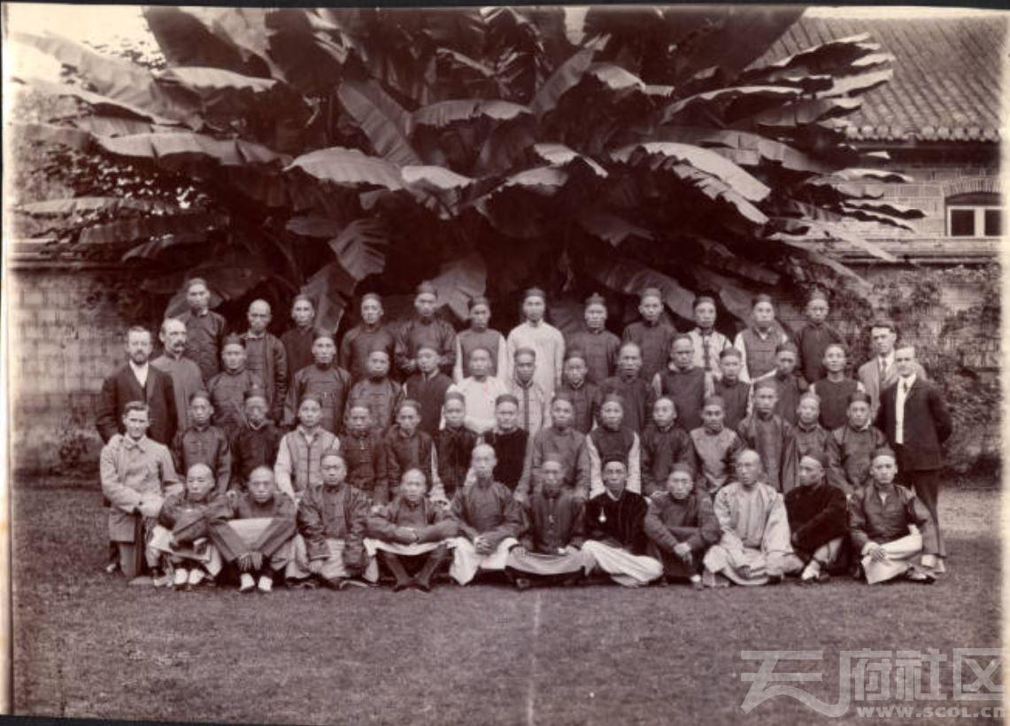 34 华西大学 神学学生 1908.JPG