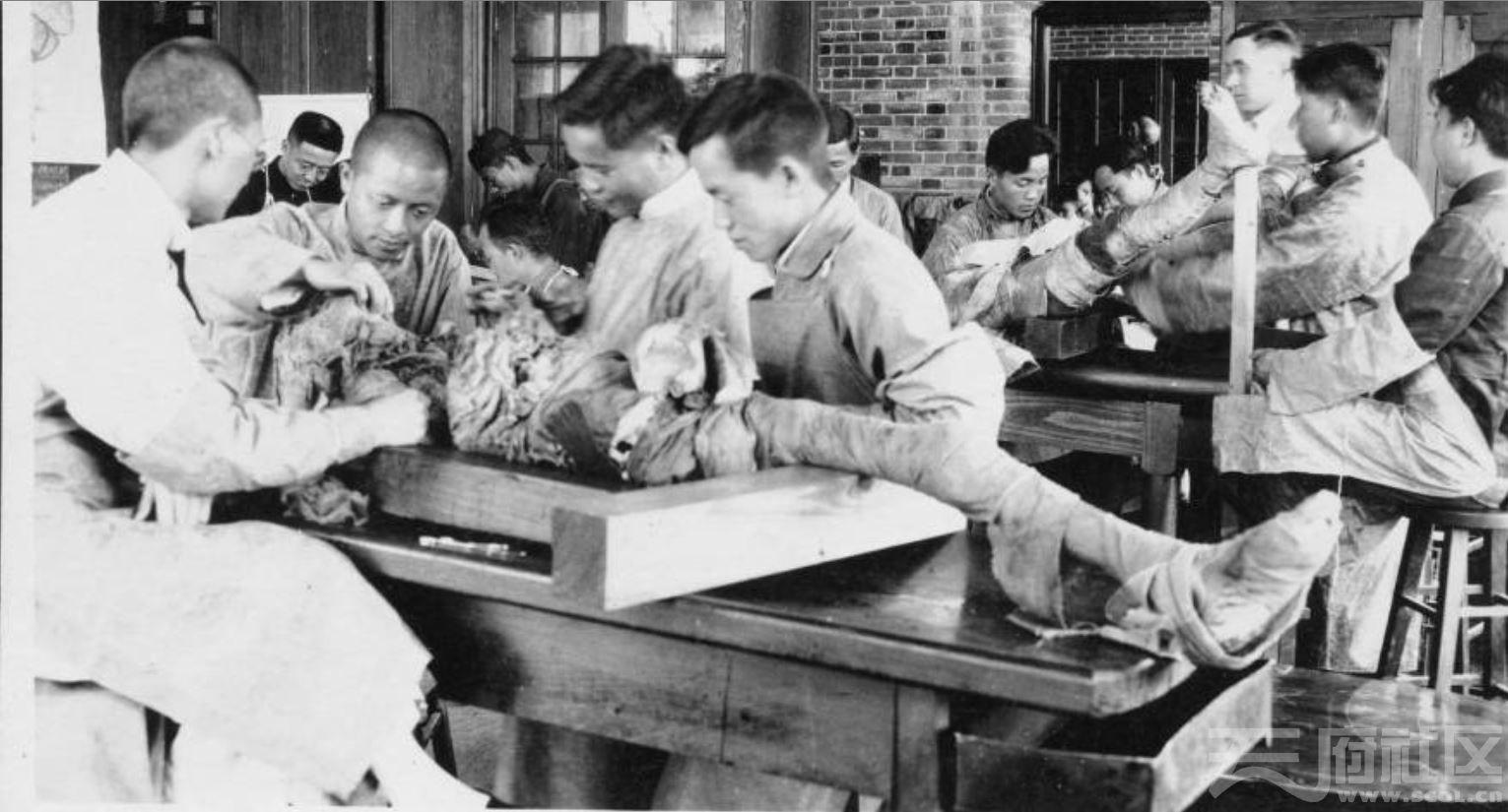 43 华西大学 解剖实验室 ca.1934.JPG