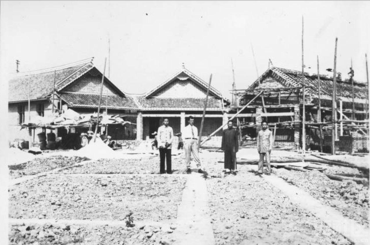 56 华西大学 医院兴建中 ca.1939.JPG