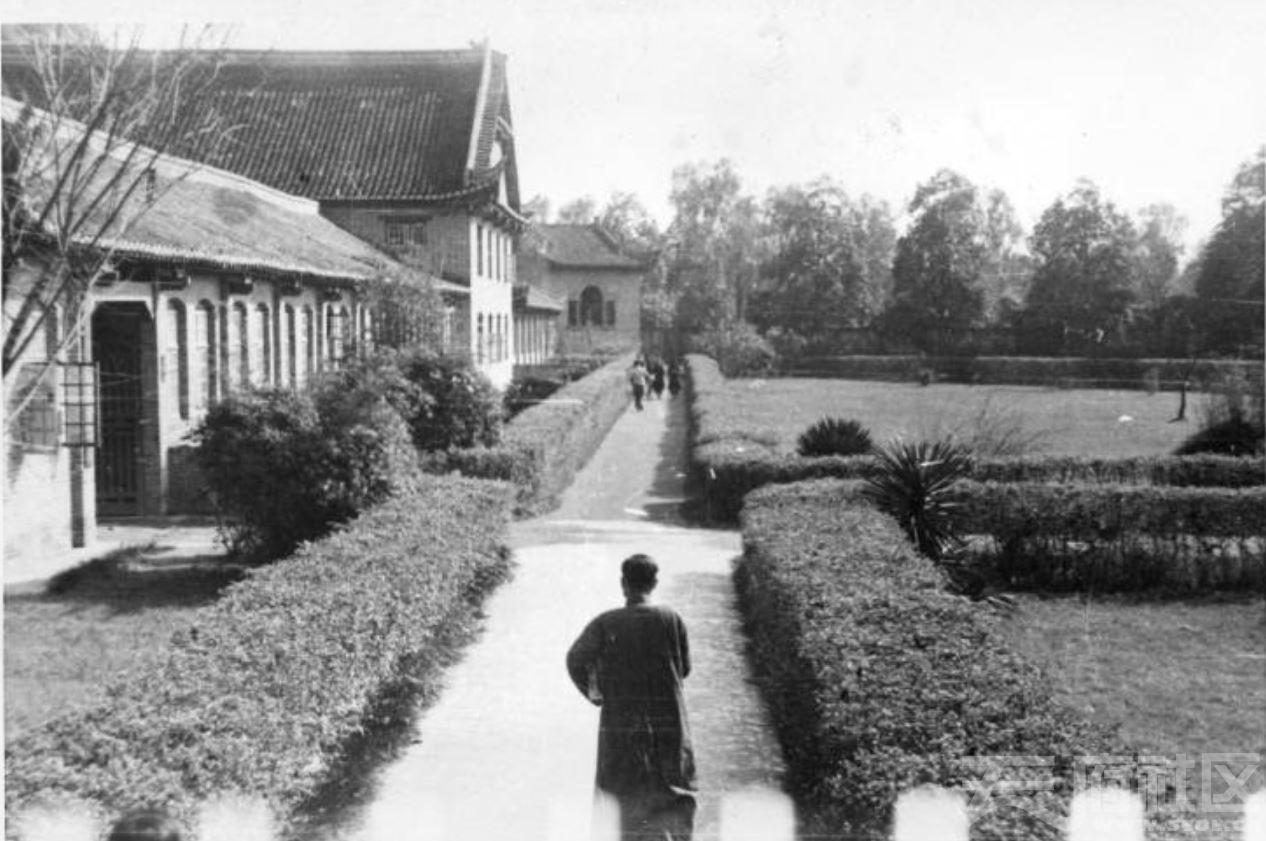 57 华西大学 校园 ca.1939.JPG