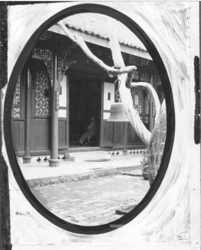 60 华西大学  礼拜堂入口 ca.1939.JPG