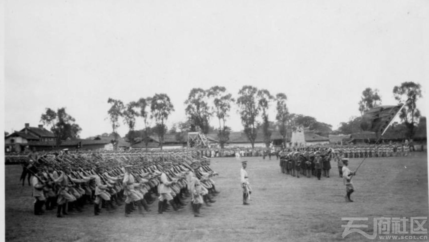 67 华西大学 士兵操场操练 20世纪20年代或30年代.JPG