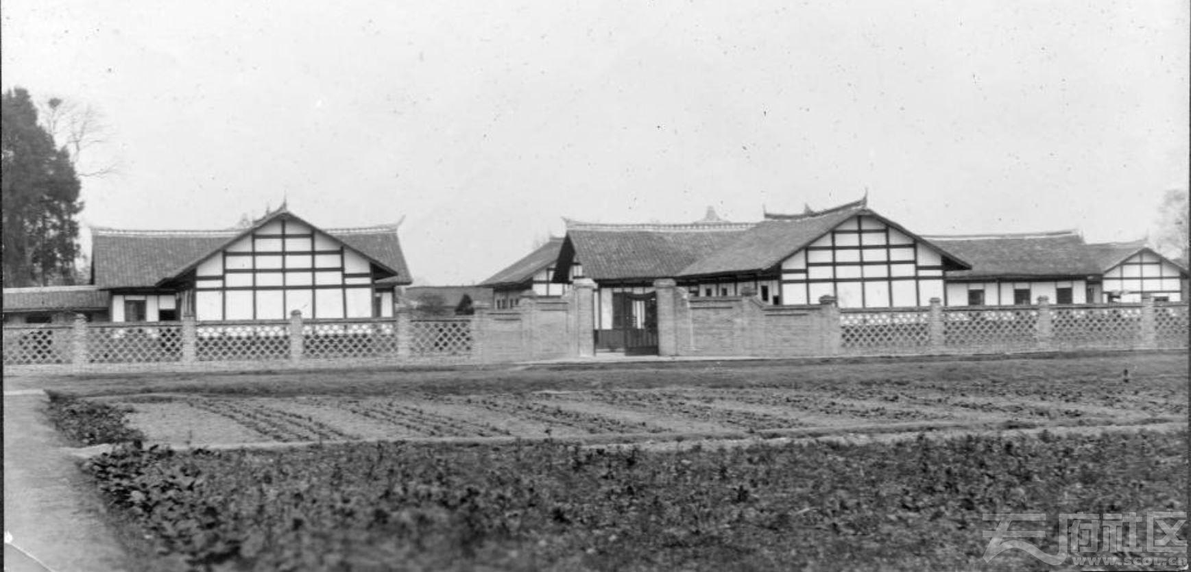 68 华西大学 临时校舍 1914.JPG