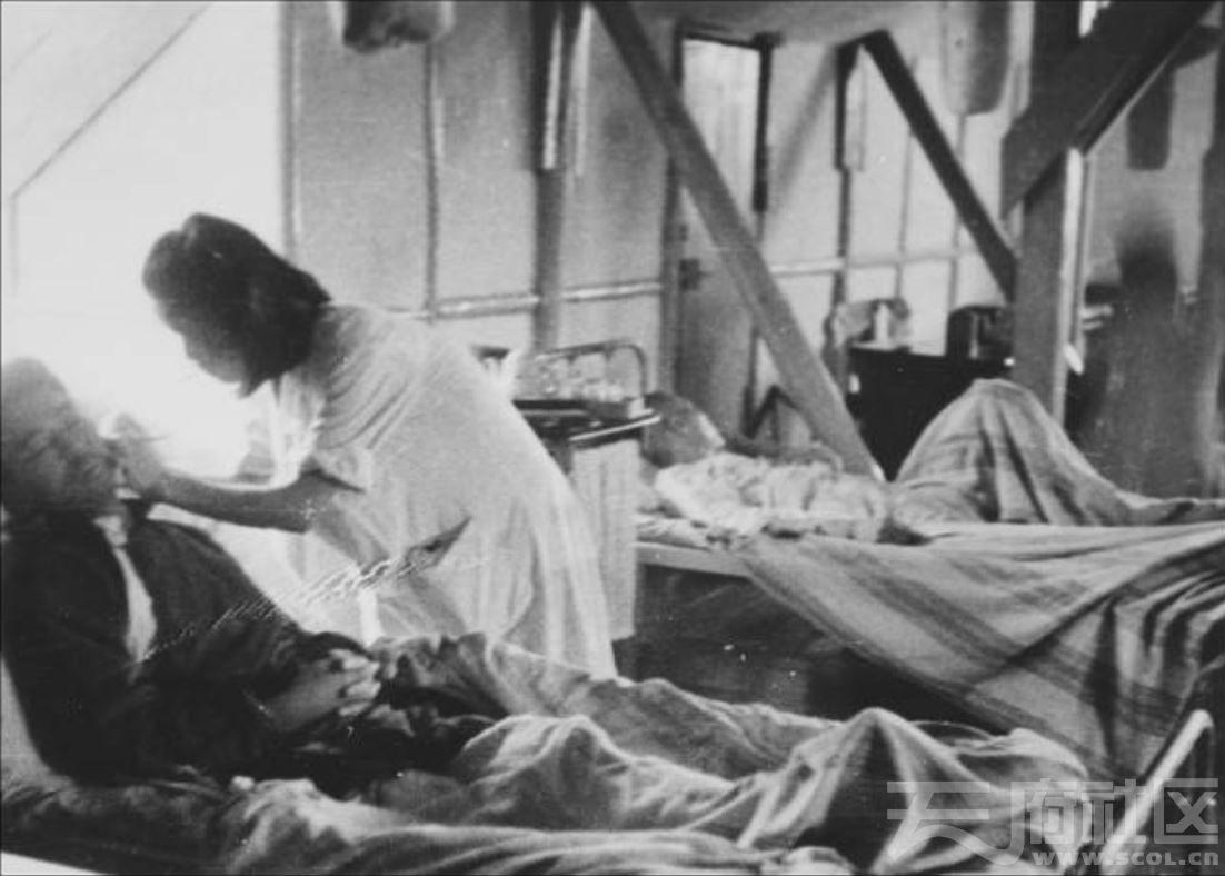 25 华西大学 护士  ca.1945.JPG