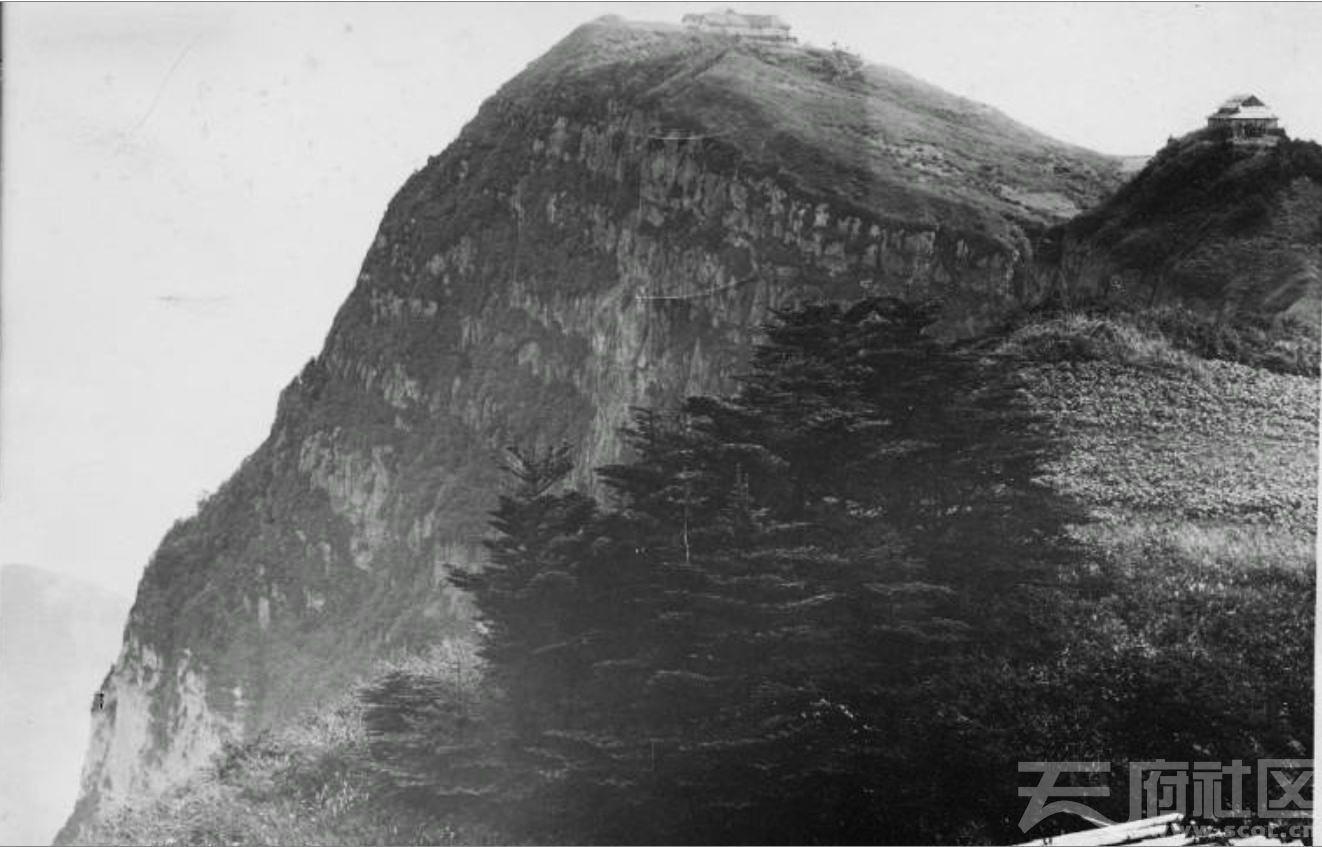 14 峨眉山 金顶 1915-1925.JPG