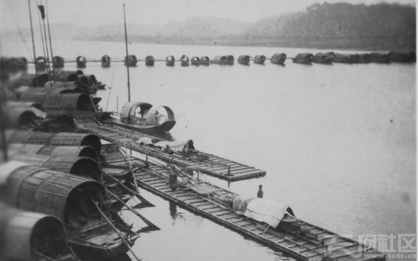 37 乐山 浮桥 1915-1925.JPG