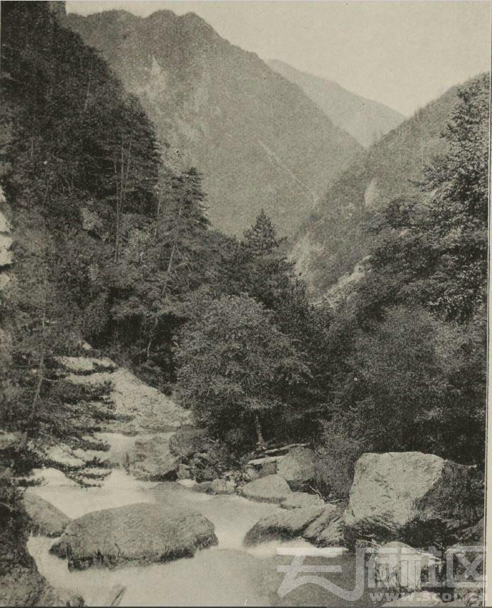 66 马塘附近 梭磨河  1896.JPG