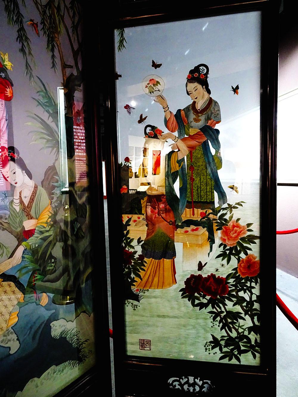 锦门,中国南丝绸之路的起点。丝绸自然是交往的主要商品,蜀锦是川西平原主要资源,种桑,养蝉,绞丝,织锦 ...