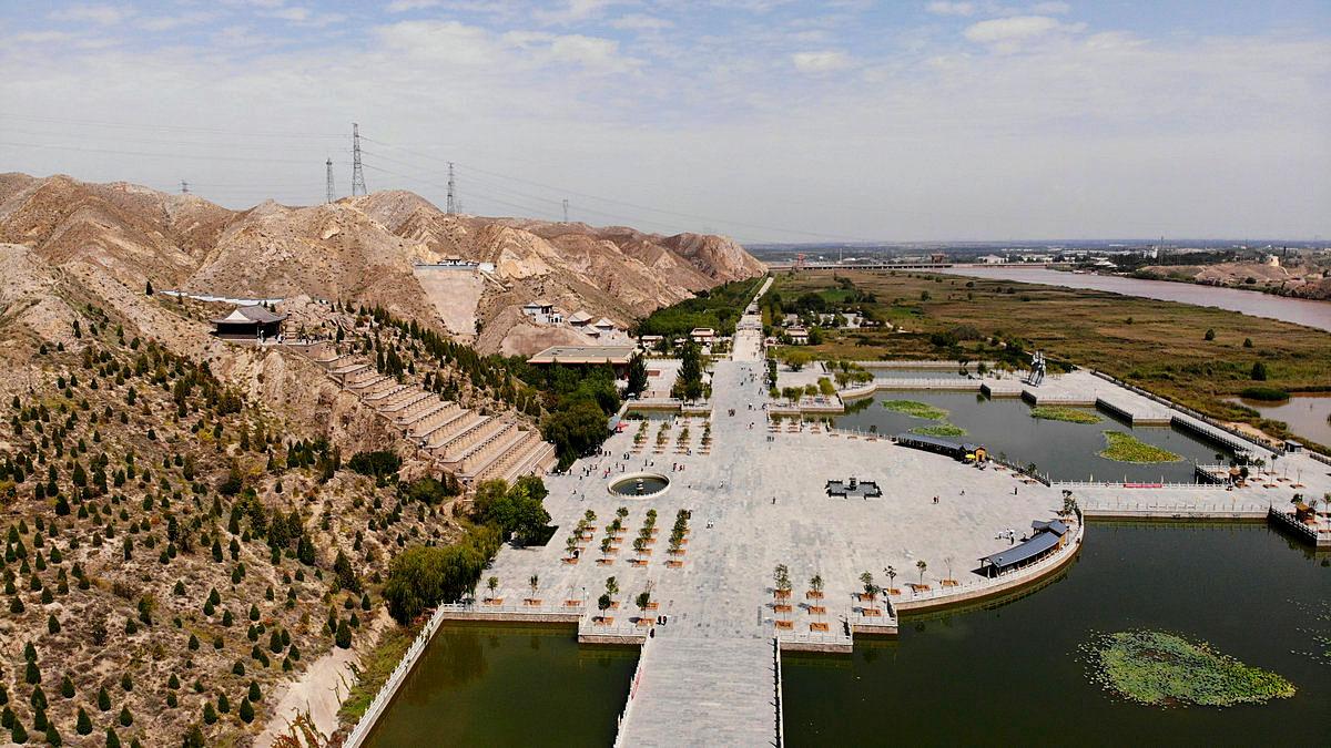 【航拍】俯瞰黄河边上108塔