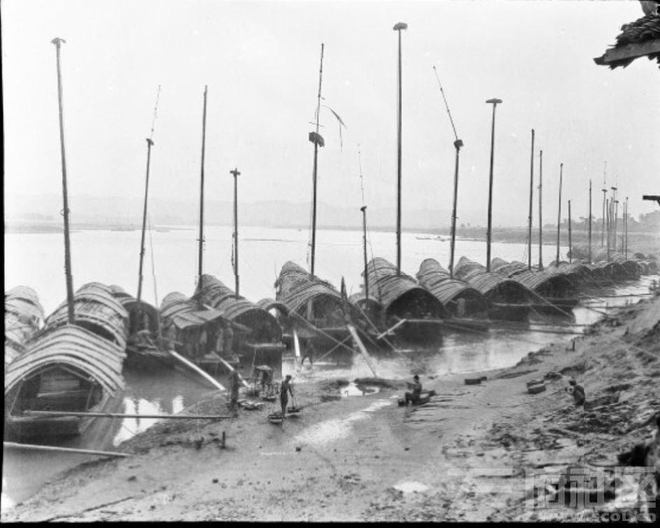 11 遂宁 江边的船 1917.JPG