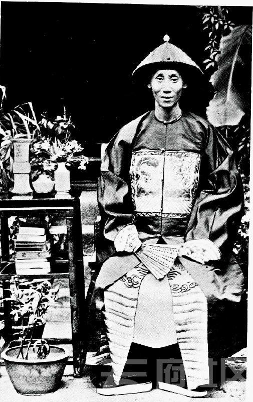 1 万县 官员 1904.JPG