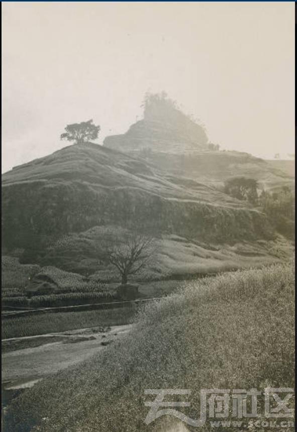 5 万县 张伯林在五梁桥附近拍摄龙头石 1909.3..jpg