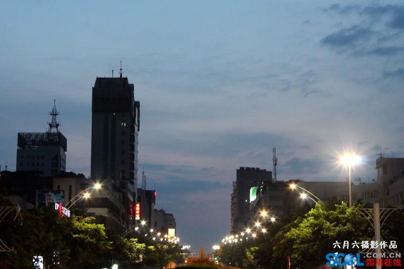 大梯步天空.jpg