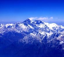 飞越珠穆朗玛峰