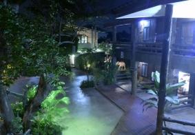 【大千世界】泰国清迈酒店静悄悄的夜晚