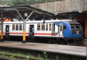 【大千世界】斯里兰卡的海上火车