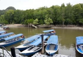 【大千世界】乘船游览环岛泻湖
