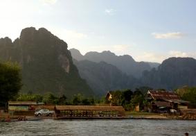 【大千世界】老挝万荣南松河上的夕阳